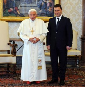Папа и Македонци 3